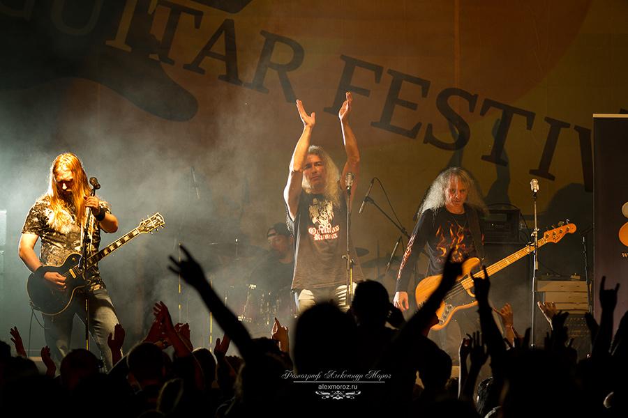 MOZ0899 - Дым над водой. Первый гитарный фестиваль прошел на берегу Волги.