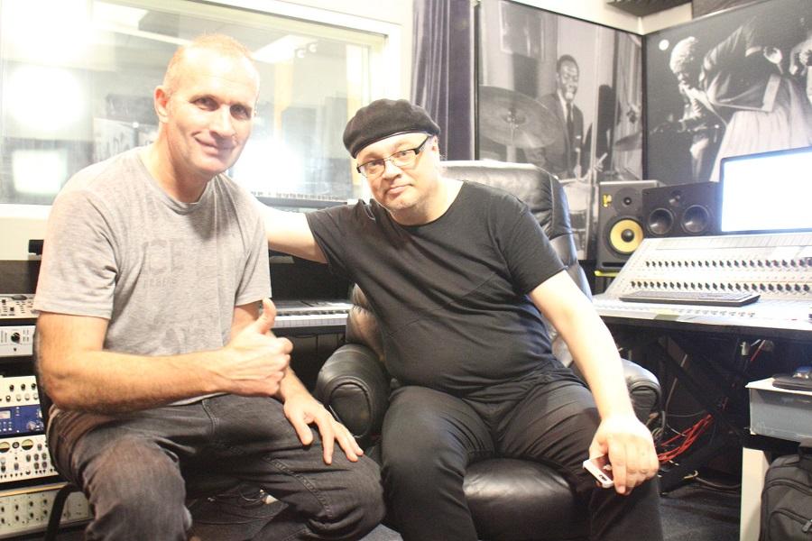 photo081117 41 - экс-ударник группы РОНДО Николай Сафонов пишет у нас на студии ИГОРЯ САНДЛЕРА свой новый музыкальный проект.